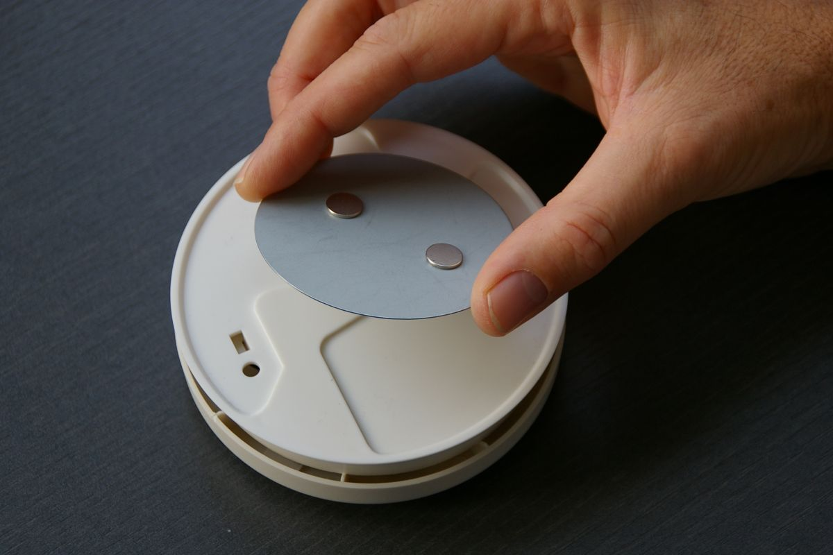 10er pack rauchmelder ei 650 ei650 inkl magnetolink magnetbefestigung ebay. Black Bedroom Furniture Sets. Home Design Ideas